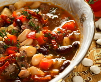 Hearty Beef and Bean Crockpot Soup