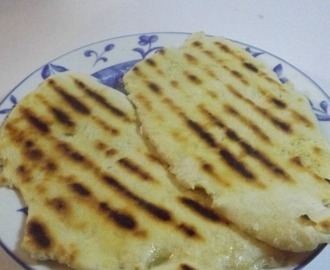 Easy garlic naan bread