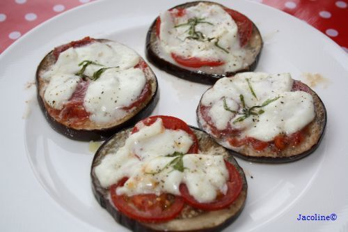 Aubergine pizza