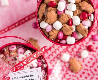 Valentine S'mores Trail Mix
