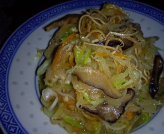 STIR FRIED CUTTLEFISH SHREDS AND VEGETABLES