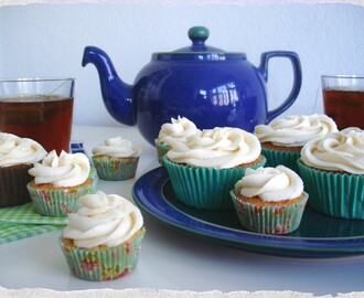 Earl Grey Cupcakes – regular and mini versions