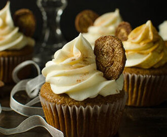 Gingerbread Cupcakes with Eggnog