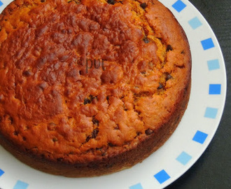 Eggless, Butterless Carrot & Chocolate Chips Cake
