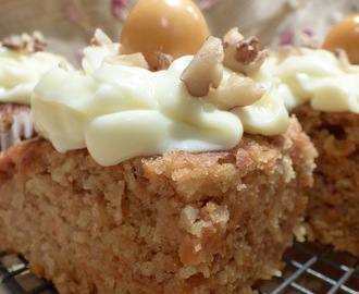 Mini carrot cakes with cream cheese topping by Tom Kitchin - Be a Star, Bake a Cake