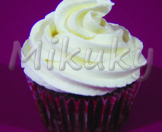 Cupcakes de Chocolate con Buttercream de Chocolate Blanco