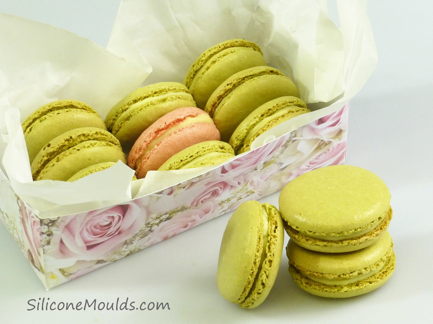 Matcha Green Tea Macarons & Double Sided Macaroon Mat