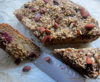 Almond, pear and blackberry crumble cake - recipe