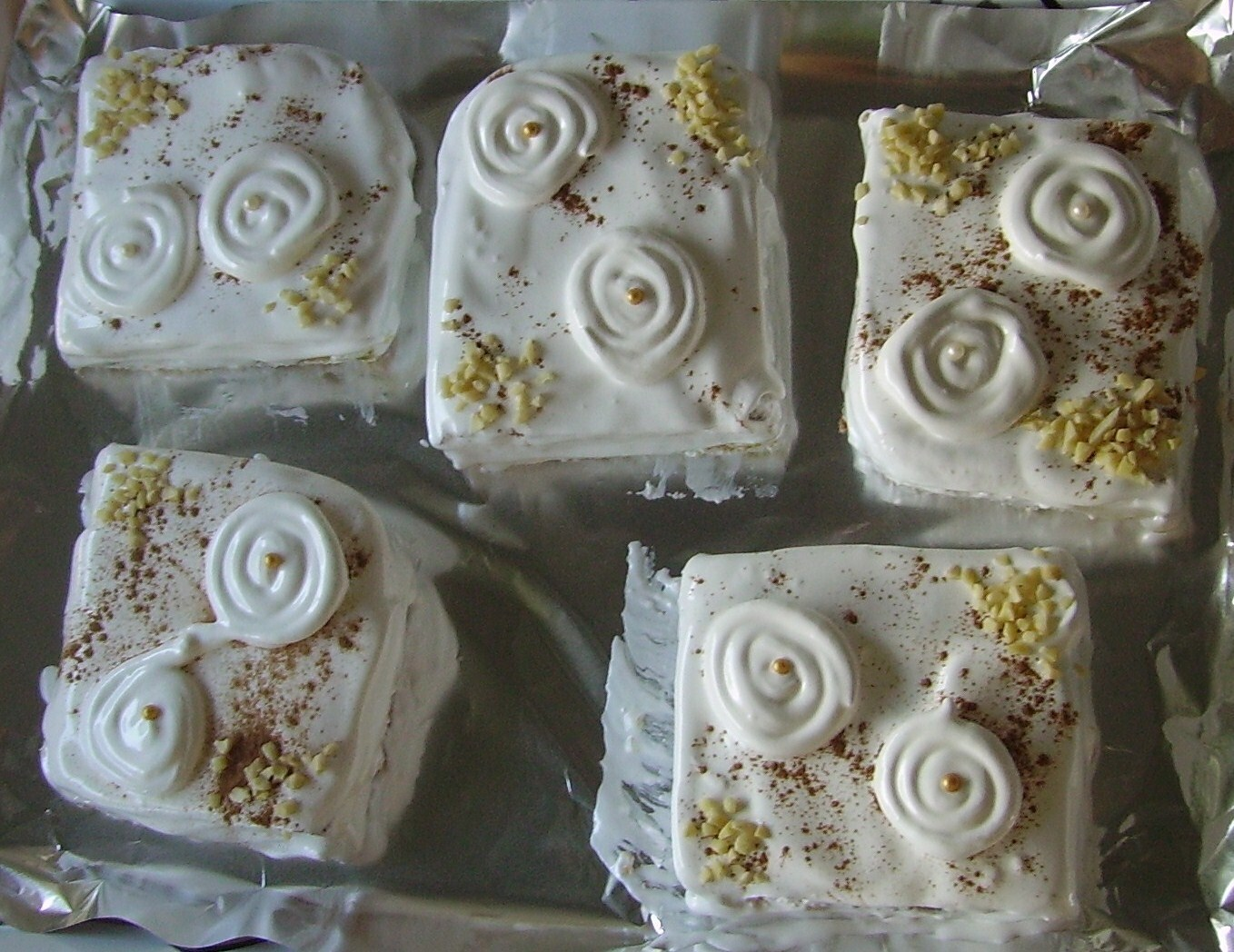 PASTELES DE MERENGUE