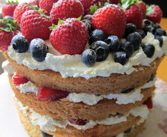 Fresh Fruit & Cream Genoise Sponge Cake - recipe