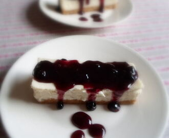 Vanilla Cheesecake with a Simple Topping