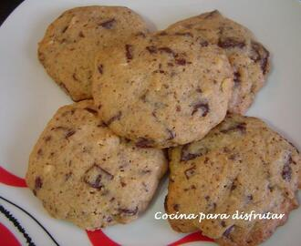 VIDEO RECETA: COOKIES DE CHOCOLATE Y AVELLANAS