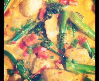 Easy Peasy Thaise Rode Curry met kip