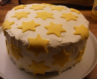 Lemon Layer Cake with added 'Star Quality'!