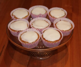 Hairy Biker's Skinny Lemon and Blueberry Cupcakes