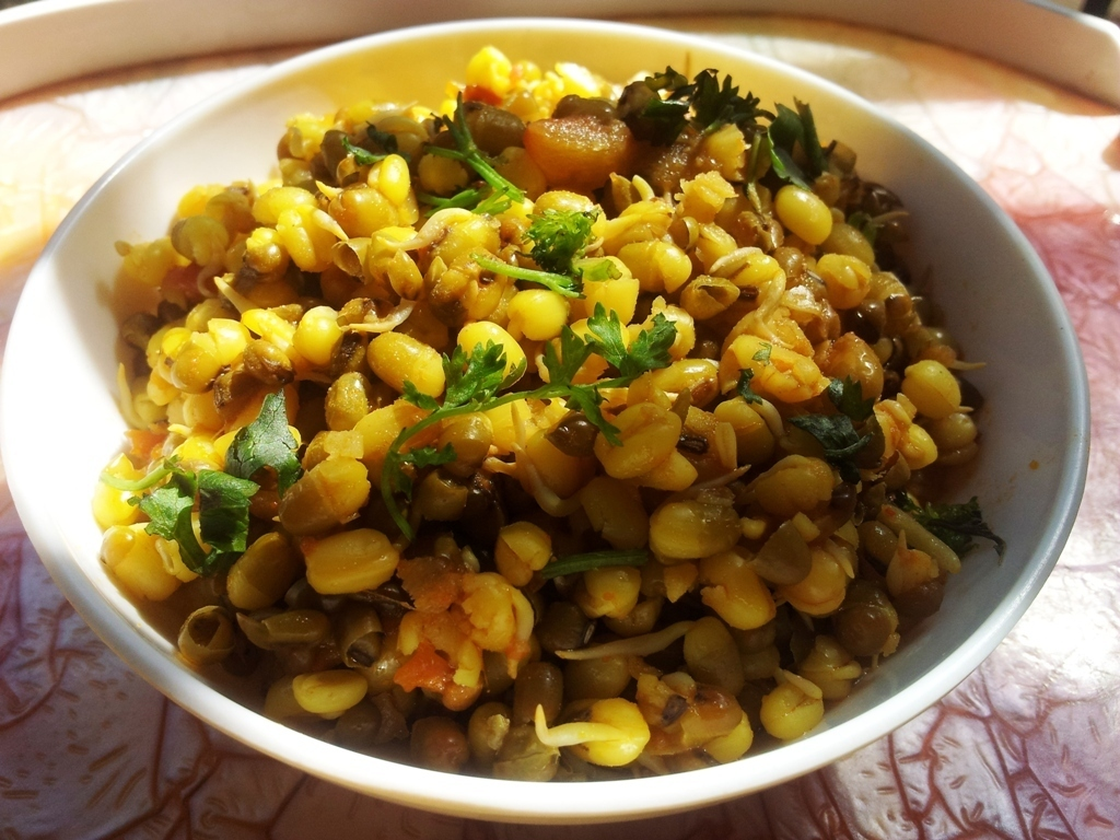 Sprouted Moong Sabzi or Sprouted Green Gram/Mung Salad.