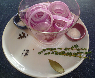 PICKLE IT! – PICKLED RED ONIONS + PICKLED RED GRAPES