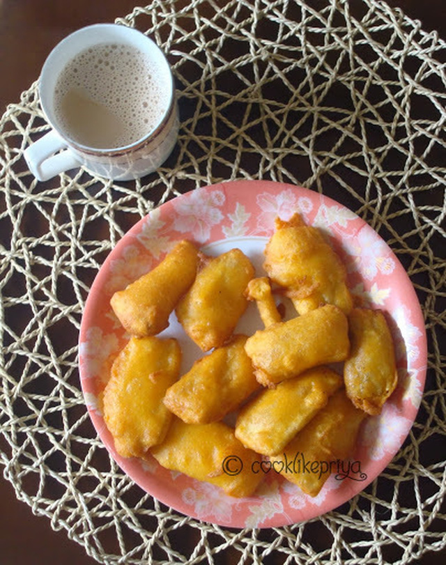 Vazhakkai Bajji | Raw Banana Fritters | Indian Fried Snack Recipe