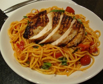Spaghetti with spicy tomato sauce & chargrilled chicken