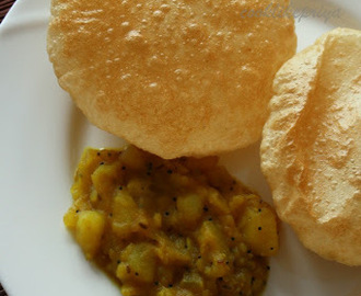 Poori Masala | South Indian Breakfast Recipe | How to get perfect fluffy Pooris