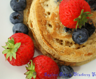 Looking for a quick breakfast for the weekend? ~ Try these Eggless oats & blueberry pancake