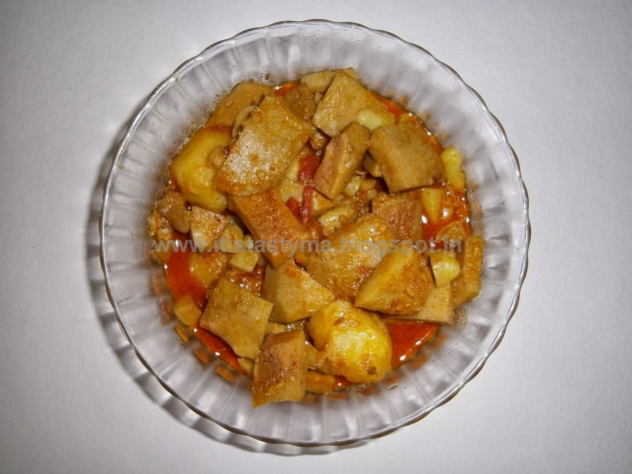 Raw Jackfruit Curry (Enchorer Dalna) - With A Video Demonstration
