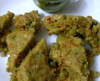 Carrot & Green Pea Dhokla/Savoury Steamed Cake with Carrot & Green Pea