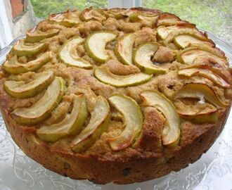 Dorset Apple Cake with Chocolate Caramel - Best of British