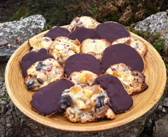 Nigella's Florentines and Spiced Hot Chocolate