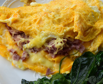 5 BREAKFAST OMELETTE RECIPES TO FILL UP