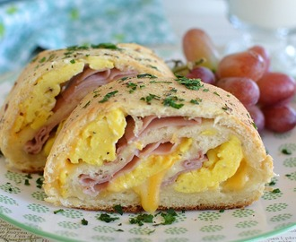 Ham, Egg, and Cheese Breakfast Rolls