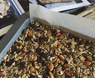 Donna Hay's Seed and Date Slice