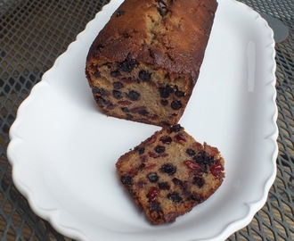 gluten free spiced apple, cranberry and blueberry cake