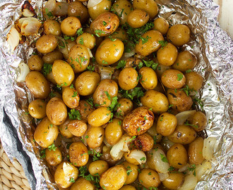 Easy Grilled Garlic Potatoes in Foil