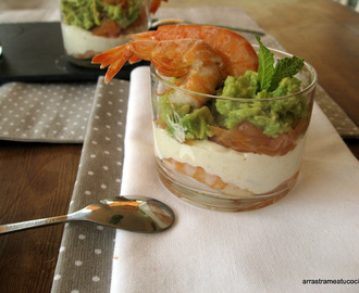 VASITOS DE SALMON, GAMBAS,AGUACATE Y QUESO FRESCO