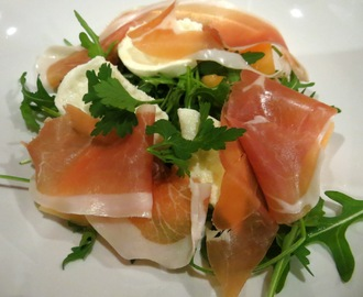 Salad of Cantaloupe melon, Parma ham and buffalo mozarella