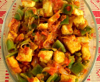Paneer And Capsicum Stir Fry / Cottage Cheese and Green Bell Pepper Stir Fry