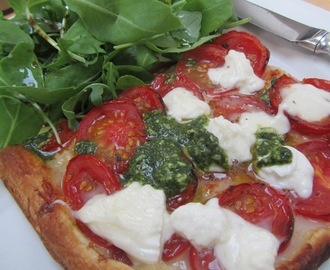Roast tomato tart with fresh mozzarella and pesto