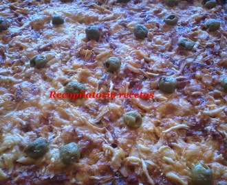 Pizza de beicon y atún en thermomix