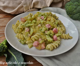 PASTA CON PATATE E BROCCOLI