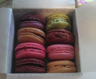 Afternoon tea with Macaroons from heaven!