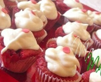 Mini cupcakes Red Velvet con Frosting de chocolate blanco y queso