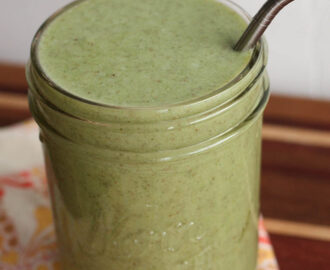 Fresh Recipes | Pina Colada Kale Smoothie