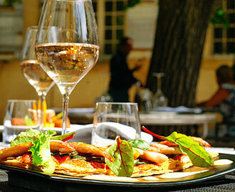 Restaurants in Bangalore with Candle Light Dinner, Buffets & more