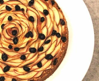 Apple, Raisin and Cinnamon Cake