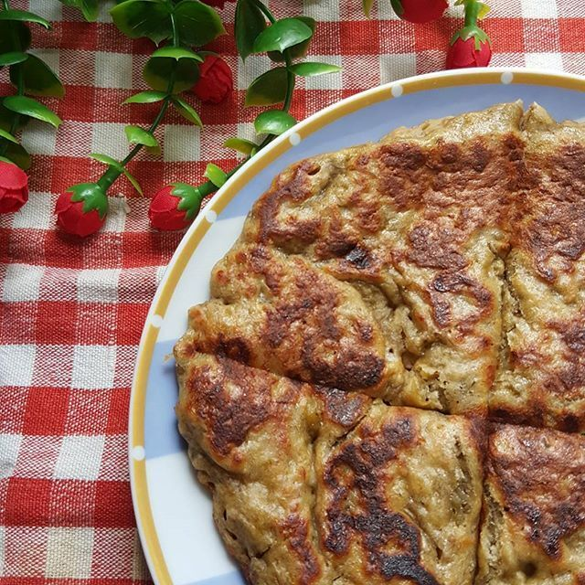 LEMPENG PISANG DAN OATS (BANANA AND OATS PANCAKE)