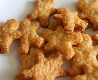 Little Gold Men! (Or cheese biscuits) for babies, toddlers and adults