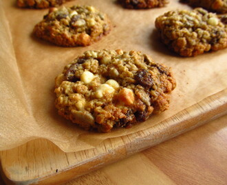 White Chocolate, Oat and Raisin Cookies
