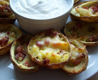 Potato Skins with Sour Cream and Chive Dip
