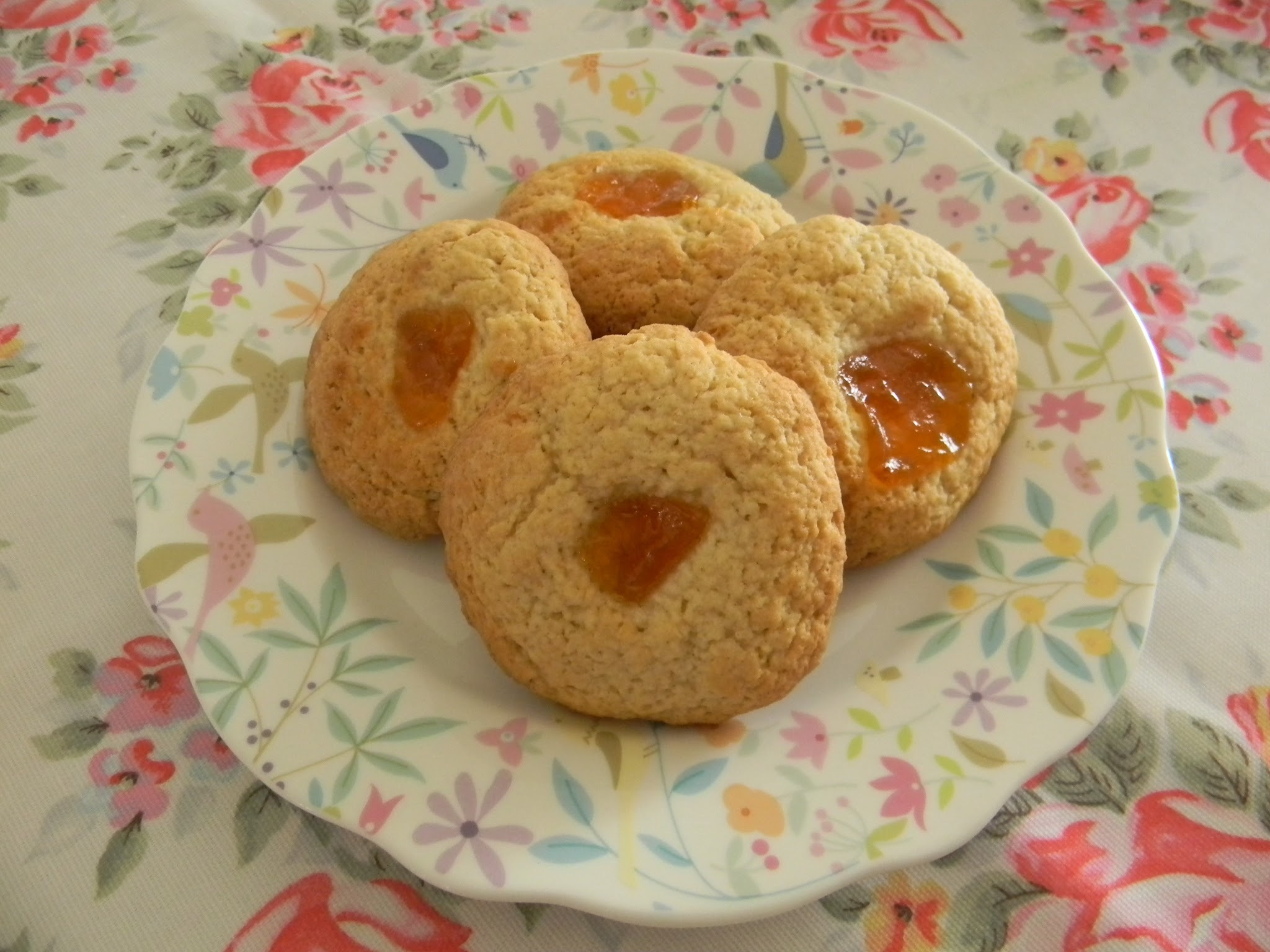 Almond & apricot biscuits....